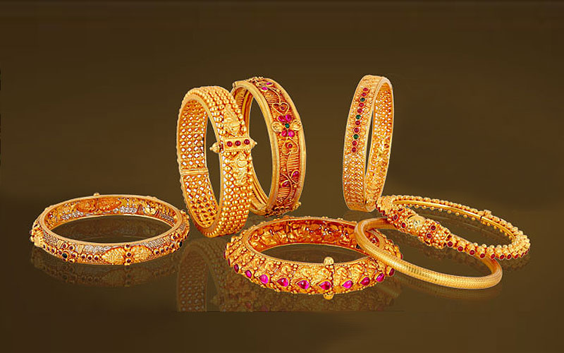 Up to 65% Off on Bangles & Jingles