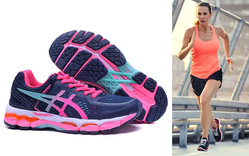 Up to 70% Off on Women's Running Shoes