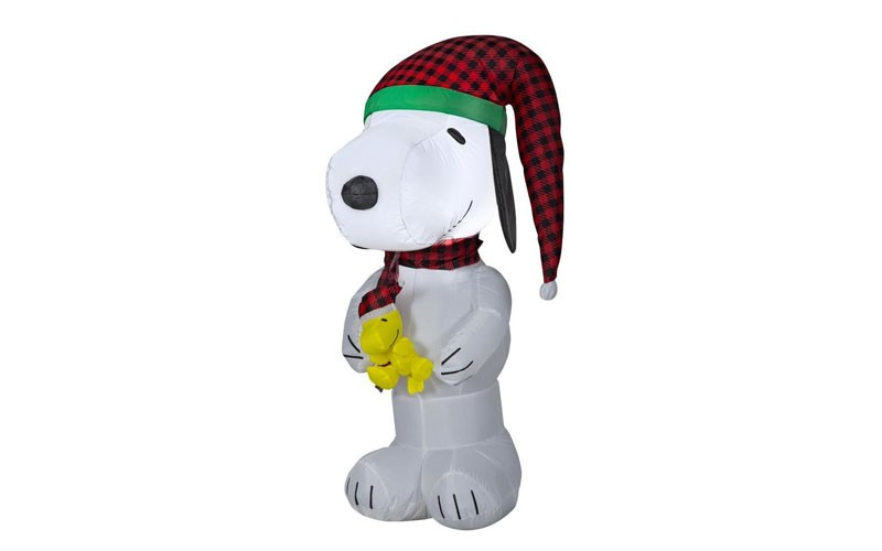 Lowes Christmas Inflatables.Peanuts 4 Ft Lighted Snoopy Christmas Inflatable Lowes